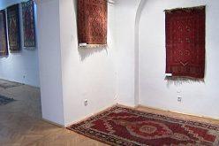 Marketing de muzeu: invitație la expoziție de covoare armenești cu promisiunea unor surprize