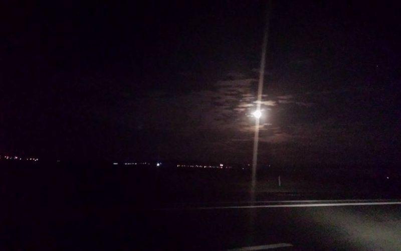Superluna nu s-a arătat luni. Încercăm marți