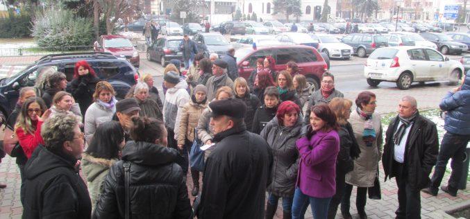 Protestul salariilor restante la Direcția de Protecție a Copilului BN