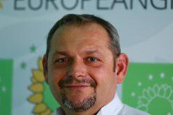 """Jurnalistul Lucian Moldovan o spune verde-n față:""""Suntem singurii care nu ne-am dat pe brazdă în siajul unui partid mare"""""""