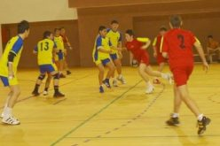 Iubitorii de handbal sunt așteptați în weekend la competiția dedicată memoriei celui mai iubit arbitru din BN, Ioan Coroban