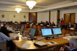 Doi parlamentari bistrițeni și-au consultat alegătorii pe facebook ce să-i întrebe pe miniștri la audierile de mâine-Ce răspunsuri au primit
