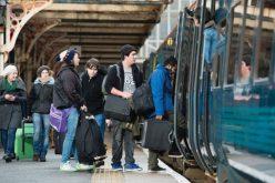 Gratuit cu trenul, dar numai până la școală- Ordonanța cu gratuitatea e în Parlament și poate fi modificată