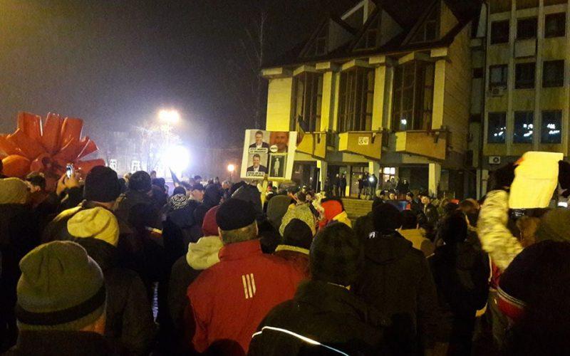 A treia zi de proteste: 5000 de oameni în Bistrița