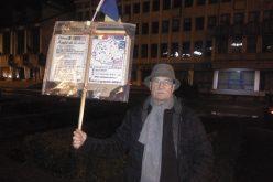 Protestatarii bistrițeni nu dau doi bani pe demisia lui Iordache. Ei spun că pericolul ordonanței 13 a rămas