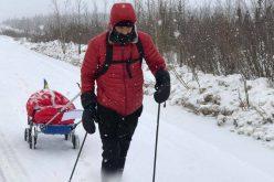 Tibi Ușeriu, aleargă fără odihnă: lipsa somnului se adaugă frigului cumplit și rănilor. E tot campion, dar cursa cea mai dură de la 300 de km începe (video)