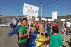 VEHEMENȚĂ: Verzii protestează împotriva proiectatei construiri a celulei 2 de la Tărpiu în pădure (Video arhivă)