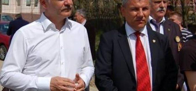 """Deneș nu se lasă nici după ce Liviu Dragnea l-a urecheat: """"respect punctul de vedere al liderului, dar am dreptul să am părerea mea"""""""