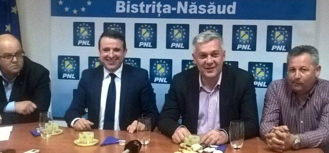 Fostul senator Dorin Dobra cere explicații noii conduceri a PNL cu demisia pe masă. Cooptarea lui Jenor Beudean a aprins spiritele în filială