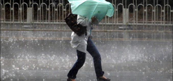 METEO: Suntem sub cod galben de ploi și nu scăpăm până la ora 23,00