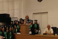"""Ceremonie de absolvire la """"Henri Coandă"""" Bistrița cu jurământ medical și o sală arhiplină"""