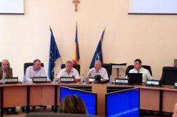 Nici vorbă de ședințe de Consiliu transmise online. Primarul crede că aleșii ar profita de transmisie să-și facă imagine pe seama Consiliului Local