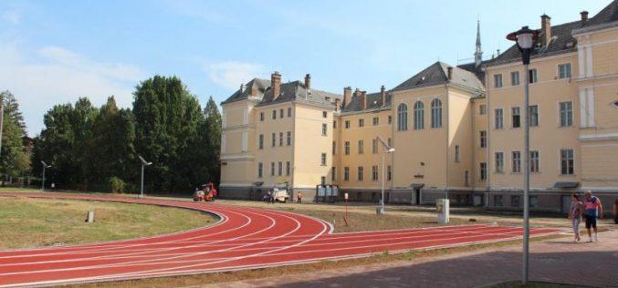 """Pista de alergare de la """"Liviu Rebreanu"""" deschisă pentru jogging în vacanță. Vezi pentru cine și în ce condițiii"""