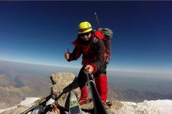 Escaladare pe lună plină a celui mai înalt vârf din Europa: profesorul Ioan Bâca a admirat rasaritul la 5600 de metri
