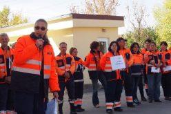 Protest la Ambulanța Bistrița: când să se bucure că au salariile la același nivel cu alte județe se trezesc cu alte ajustări