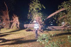Trecerea furtunii de coșmar prin Bistrița-Năsăud a ucis doi oameni și a rănit alți 17. Vezi bilanțul provizoriu al pagubelor