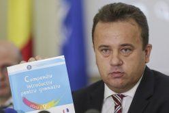 Manualul de avarie pentru clasa a V-a a fost lansat de ministrul educației. Vezi când apare în Bistrița