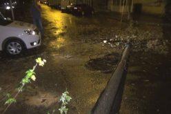 Jumătate dintre locuitorii satelor din BN nu au curent după furtuna de duminică