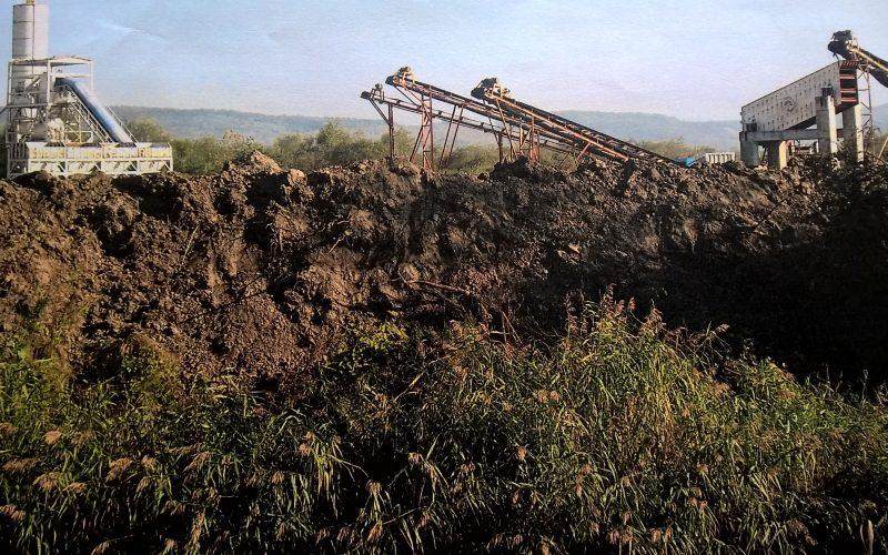 Garda de Mediu și APM iau la intrebări proprietarii unei balastiere după ce ecologiștii au reclamat că mușcă din râul Șieu într-o zonă de protecție