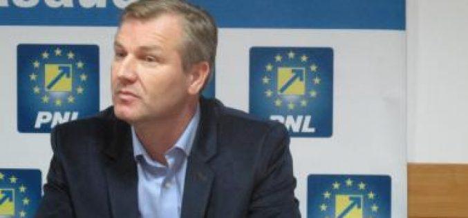 """Dolha: """"E luni, deci e CEX cu cuțitele pe masă la PSD. Partidul ăsta nu are cum să se reformeze"""""""