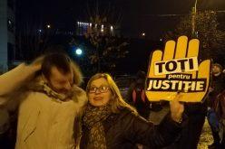 Deputatul Cristina Iurișniți în mulțimea care a protestat la Cluj