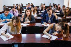 Un parlamentar bistrițean desființează proiectul care vrea sa-i oblige pe studenți să rămână în țară după absolvire