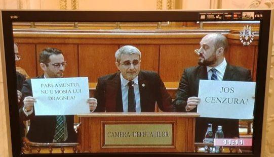 Parlamentarii opoziției reduși la tăcere printr-un regulament care amputează dezbaterea. Vezi cum au reacționat parlamentarii bistrițeni