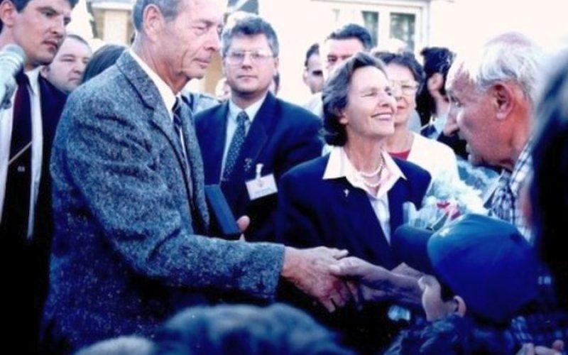 Acum 20 de ani vizita Regelui Mihai la Bistrița a stârnit un val de emoție. Vezi filmarea (VIDEO)