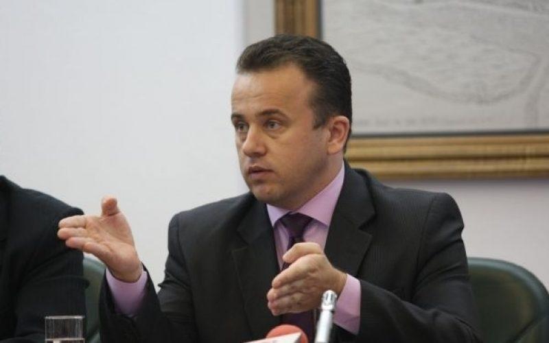 Profesorii din toată țara au salariile în cont-a anunțat ministrul educației la Bistrița. Voucherele de vacanță vin din martie