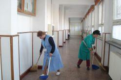 Emoții pentru 150 de angajați ai școlilor din Bistrița-Năsăud: pierd sute de lei la salariu dacă Guvernul nu dă în două zile un OUG