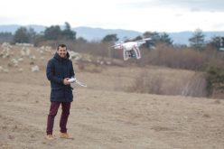 Filmarea cu drona-misiune imposibilă în România. Prin ce peripeții birocratice trec utilizatorii pentru dreptul de a filma câmpuri