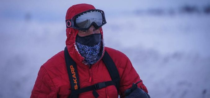 Cursa agonizantă de la Arctic Ultra se apropie de finish: după imaginile tulburătoare cu campionul îngenuncheat, Tibi Ușeriu e de neoprit