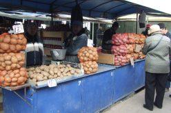 Ca să nu-i lase în aer pe producătorii din piețe Guvernul a mai peticit o lege