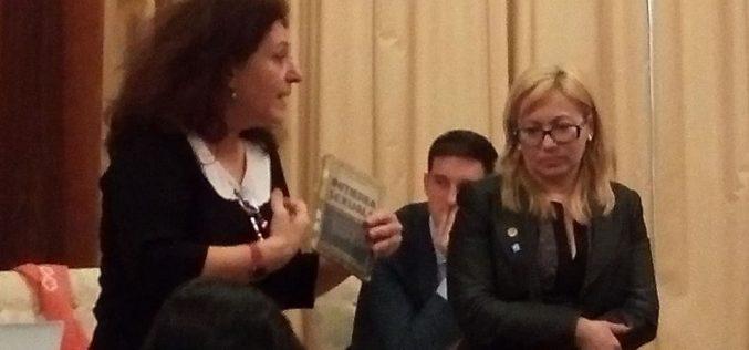 Paradoxuri românești: educația sexuală în școli e obligatorie, dar de Senat a trecut o propunere care pedepsește cu închisoarea predarea disciplinei