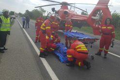 Accident dramatic cu două mașini și un microbuz la Beclean. O victimă transportată cu elicopterul Smurd