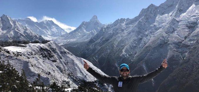 """Tibi Ușeriu a urcat în 14 ore """"60 Extreme Ultra"""", maratonul Everestului"""