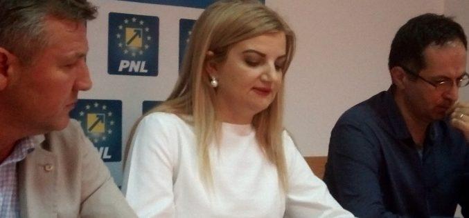 Avocatul Diana Morar: CCR obligă președintele la a executa un  act de supunere față de ministrul justiției, fără să existe vreun text legal