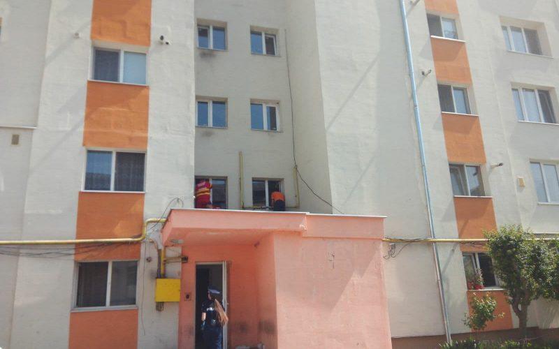 Moarte dramatică pe strada Năsăudului: un bărbat s-a prăbușit de la etajul 9 pe o terasă