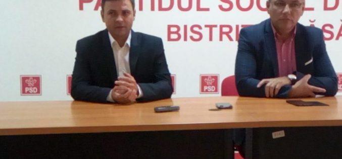 Parlamentarii bistrițeni de la PSD fac scut în jurul premierului Viorica Dăncilă cu argumente de gen. Unul se ia de Orban că nu-i bărbat, altul de Iohannis.