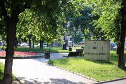 Furnizorii de utilități atenționați să-și mascheze contoarele din zona monumentelor istorice a Bistriței
