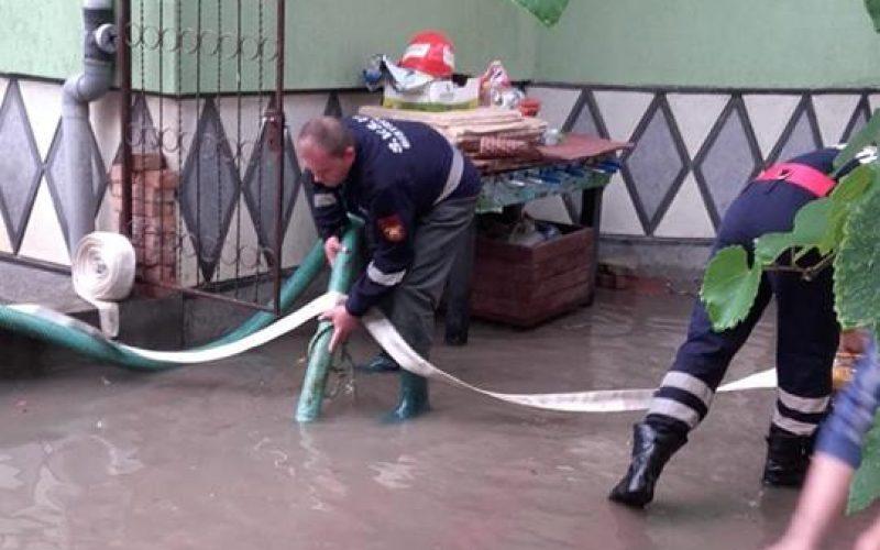 Autoritățile cer bani la Guvern pentru pagubele produse de inundații în iunie în Bistrița-Năsăud. Încă n-au decis cât.