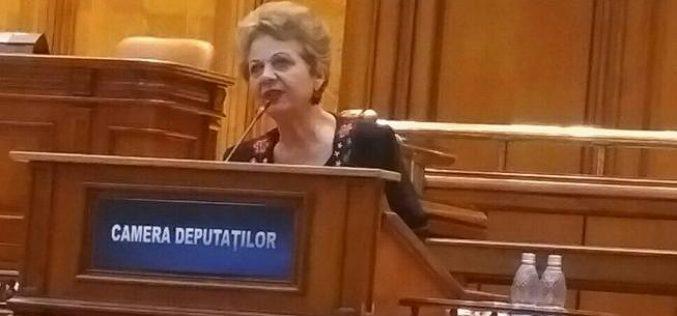 Deputatul Doina Pană a votat în plen împotriva legii pe care a inițiat-o. Opoziția și 5 colegi de la PSD i s-au alăturat