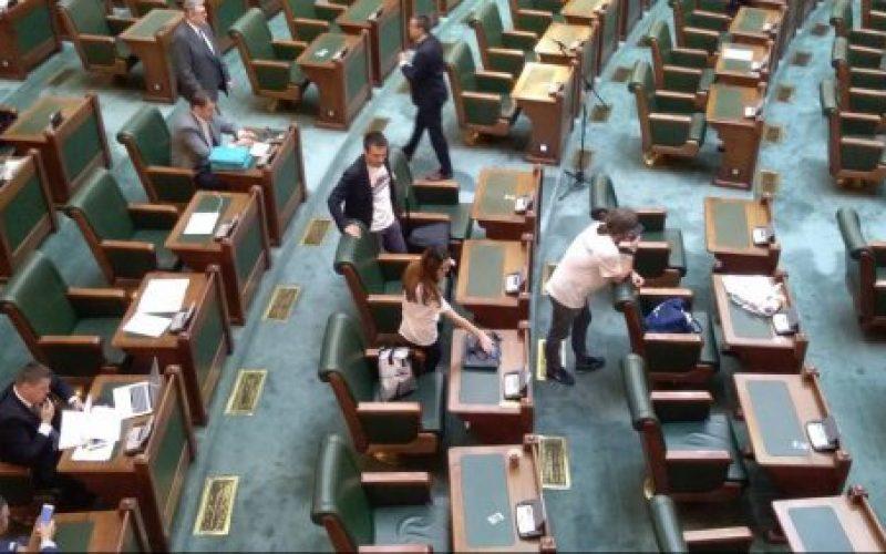 Noul Cod Penal cu abuzul în serviciu redefinit a fost votat cu scandal în Senat