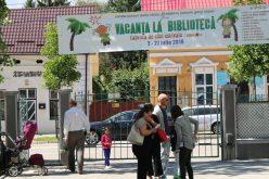 Provocare de vară: cum vrea Biblioteca Județeană să-i facă cititori de literatură contemporană românească pe elevi