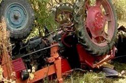 Striviți de tractor în Hălmăsău: un cuplu de octagenari au fost victimele unui dramatic accident