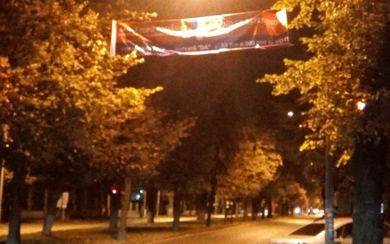UPDATE: BEJ inflexibil cu afișajul electoral ilegal: primăria s-a executat și a dat jos bannere pro referendum