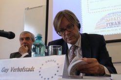 Tăriceanu, lovitură de imagine încasată la Bistrița: un vicepreședinte USR anunță că ALDE Europa va dezbate moțiunea pentru excluderea partidului omonim român