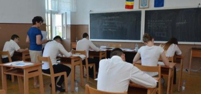 Introducerea grilelor la bacalaureatul din acest an școlar bulversează elevii de clasa a XII. Ce spun profesorii bistrițeni despre găselnița MEN