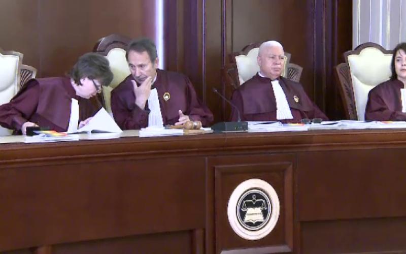 Pensiile speciale ale primarilor dizolvate de CCR, după o sesizare a opoziției. Cristina Iurișniți comentează decizia