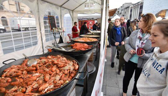 TIMP LIBER: Finalul de săptămână la Bistrița va avea de toate: festin culinar cu raci și midii, Mix Kombat și festival de nunți